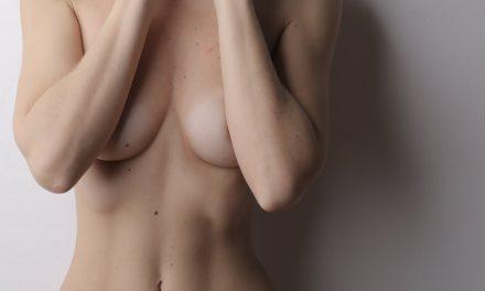 Comment faire grossir sa poitrine : quelles sont les options ?